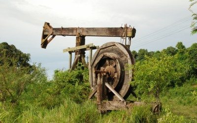 OLD OIL PUMP SANGA-SANGA